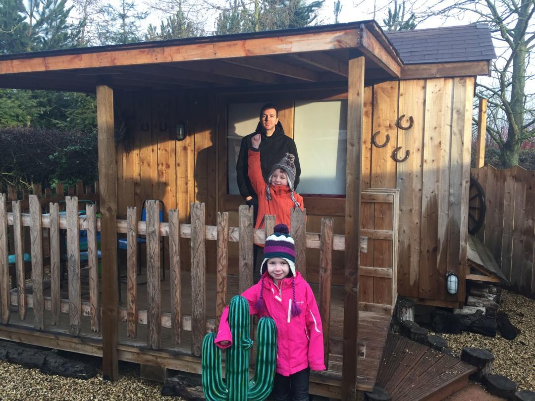 Gulliver's Land Wild West cabin