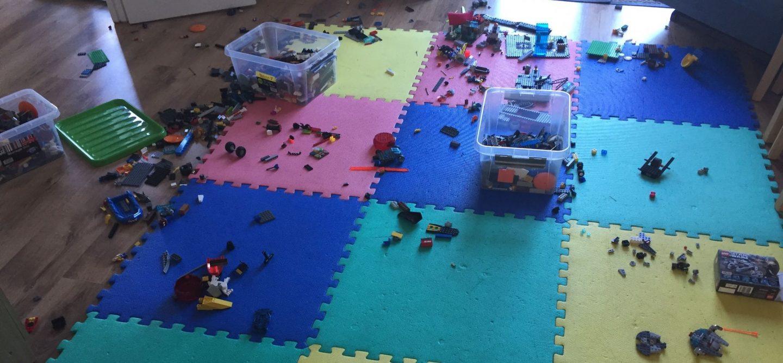 I hate Lego mess