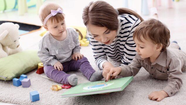 Mum working with children