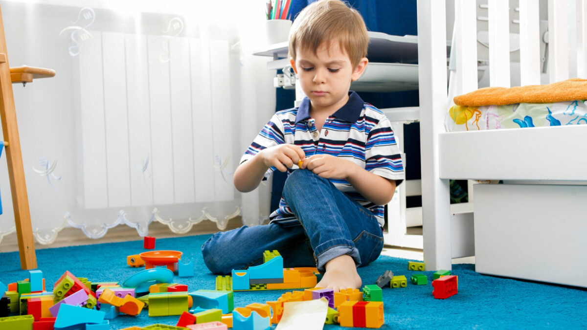 What Age Can a Child Play Inside Unsupervised
